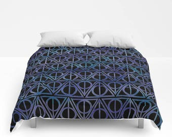 Triangles Pattern Comforter filled with poly filled