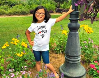 Jesus Loves Me Little Girls Graphic T-Shirt Sizes XS-XL in White & Hot Pink