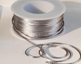 Satin cord in cream-white or grey