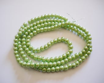 100 6 mm pastel green Pearl glass beads