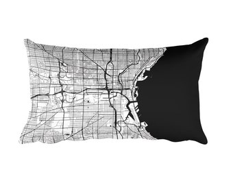 Milwaukee Pillow, Milwaukee Decor, Milwaukee Cushion, Milwaukee Throw Pillow, Milwaukee Gift, Milwaukee WI Map, Milwaukee Art, Throw, Map