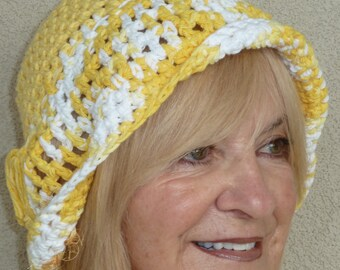 Women's chemo hat in soft cotton yarn, yellow and white original hat, it's unique, comfortable and chic, summer accessory, free shipping USA
