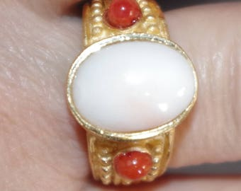 Gorgeous Vintage 14K GF Oval Cut Italian Blush Angel Skin Coral W Red Coral Band Ring S 8