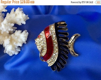 Mothers Day Sale Vintage Enamel and Crystal Angel Fish Brooch, Vintage Angel Fish Pin, Angel Fish Brooch, Vintage Crystal Fish Brooch