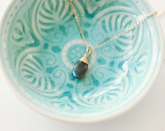 Labradorite Gold Necklace / PAGE Necklace / Gray Gemstone