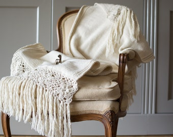 Soft knit throw blanket, wool couch throw, hand knit throw blanket, white knit throw, housewares bed cover, fringe throw blanket,