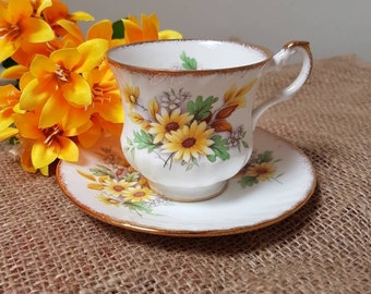 Vintage//Queen's Rosina Bone China England//cup and saucer//flowers//teacup//English tea cup//flowers cup//high tea//Brocant