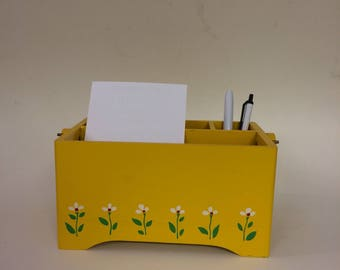 Vintage Yellow Daisy Caddy