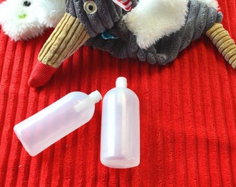 POUET POUET LONG 90 * 33 mm inserted into a toy or stuffed animal