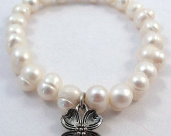 Freshwater Pearl Bracelet with a Pewter Dogwood Flower Charm - 826