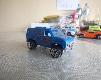 HOTWEELS blue van 1977 mattel inc made in malaysia many preserved
