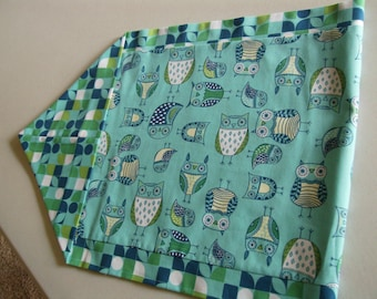 Reversible Owl Table Runner