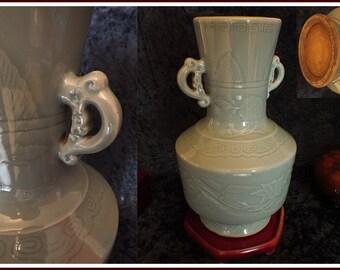 Large Qing dynasty LONGQUAN CELADON porcelain vase