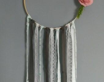 Sola feather hoop
