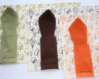 Placemat and napkin- Tablemat with leaves hand-printed in olive green, orange or brown - Set x 2