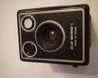 Vintage Kodak Six-20 Brownie Camera