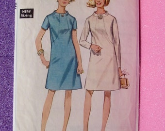 Pre-cut, rare, VINTAGE, 60s, Sewing Pattern - Simplicity 7807 - Size 18 Bust 40 - Gorgeous mini dress - 1968
