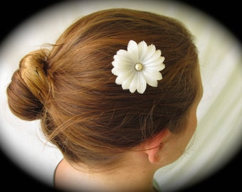 White Pearl Flower Hair Jewelry, White Flower Wedding Bridal Hair Jewelry, Wedding Hair Jewelry, Bridal Hair Pin, Vintage Jewelry Hair  HP 3