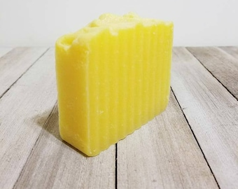 Sunflower, Sunflower Soap, Sunflower Favors, Sunflower Gift, Cold Process Soap, Handcrafted Soap, Wedding Favors, Yellow Soap