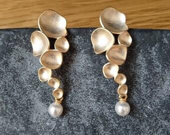 meteorites and pearls earrings