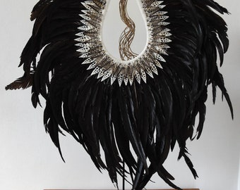 Poppy necklace long black feathers