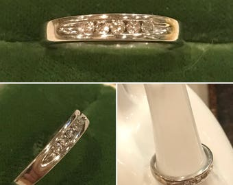 Vintage 14K white gold 5 diamond Wedding, Anniversary, or stacker band ring   Sz 7, .20 ctw, 3.7mm   14k channel set diamond ring band