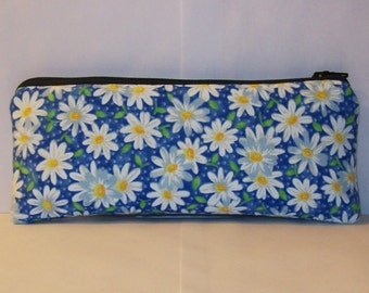 "Padded Pipe Pouch, Blue Daisy Pouch, Glass Pipe Case, Pipe Bag, Padded Pouch, Cute Pouch, Floral Pouch, 420, Glass Pipe Cozy - 7.5"" LARGE"