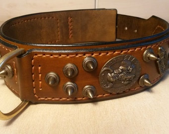 Collar leather with antique rivet