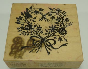 PSX F-1710 Flowers In Heart Wood Mounted Rubber Stamp By Personal Stamp Exchange