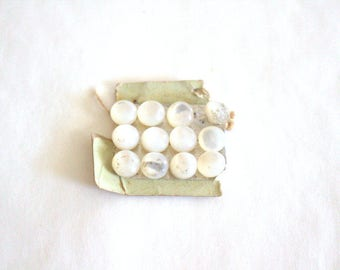 Sweet Pearl Antique Buttons x 12