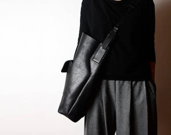 FREE Fast shipping Jumbo carry-all zip black Italian leather bag, vegetable tanned oversized bag
