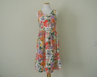 FREE usa SHIPPING Vintage 1980's Floral romantic shabby chic MOD dress sleeveless summer dress scoop neck v neck sundress cotton size S