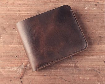 CHRISTMAS SALE. Dylan, Minimalist Leather Bifold Wallet