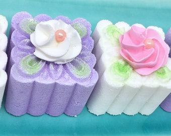 Baby Shower Favors - Baby Shower Decorations - Baby Shower Bath Bombs - Bath Bomb- Baby Shower - Baby Shower Gifts - Petit Fours - Baby Girl