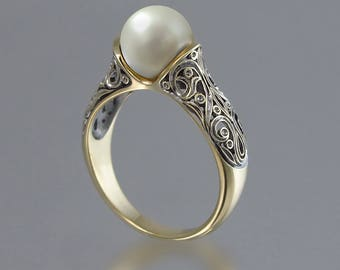 The ENCHANTED PEARL 14K gold ring with White Pearl
