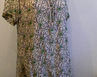 vintage.  70s Indian Green Silk Print Long Tunic  // M to L