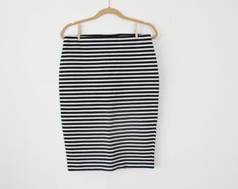 Skirt Body Con Black and White Pinstripes