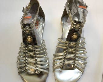 Gladiator sandals, Womens Size 5 , Girls size 5 ,Gladiators,designer sandals, like new,worn once,womens sandals,girls sandals,silver sandals