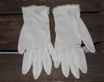 Vintage gloves 1960s white Confirmation tea gloves with seed pearls and lace trim silky nylon