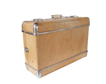 Rare Wheary Suitcase with Chrome Trim/ Vintage Hard Top Suitcase 30s 40s Men's Suitcase Photography Prop Side table Wedding Decor