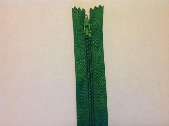 "Nylon coil zippers, 20cm (8""), green"