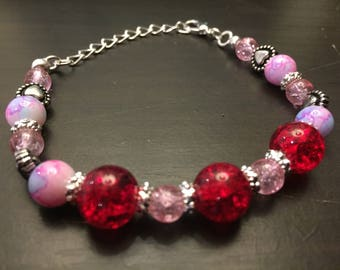 Red and pink glass bead bracelet