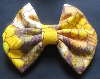 Large giant hair bow Vintage 60s 70 fabric handmade item recycled fabric retro Yellow Flower Floral Brown unique USA Barrette Hair accessory