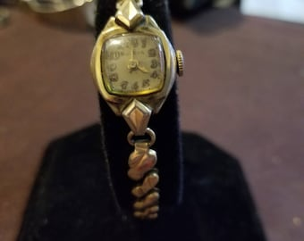 Vintage Bulova 21 Jewel 10k rgp Ladies Watch Running