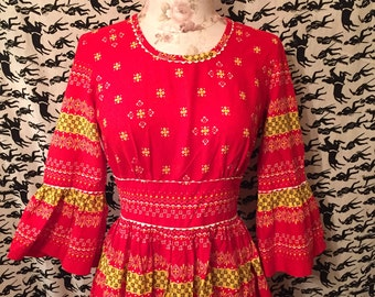 Vintage 1970s Vicky Vaughn Maxi Dress Cotton Bell Sleeves Festival Dress Hippie Boho Americana Print Renaissance
