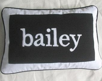 name pillow. Kids name  pillow cover.  parsnalize name pillow.  Decorative nusaery pillow.   custom made. 12x20