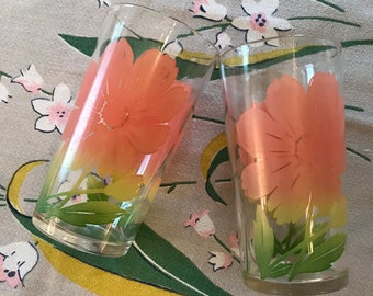 Swanky Swigs-pair pink yellow daisy juice glasses