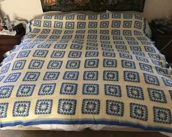 75x105 Granny-square afghan, handmade, queen-sized bed