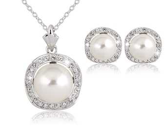 Exquisite Crystal Pearl Necklace Set