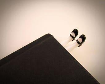 Alice in wonderland legs - Bookmark